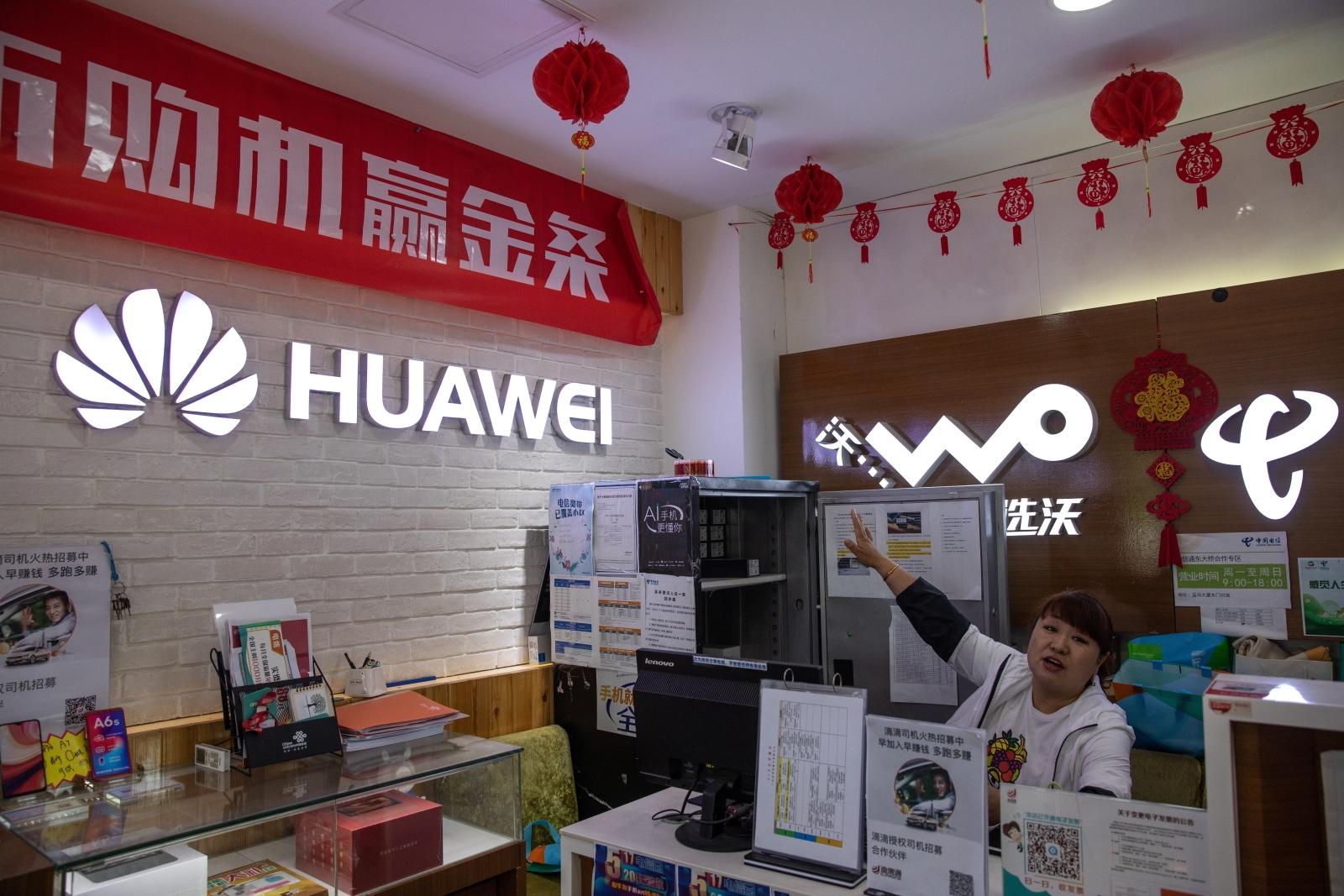 Google zrywa z Huawei. Chiński gigant wydał oświadczenie